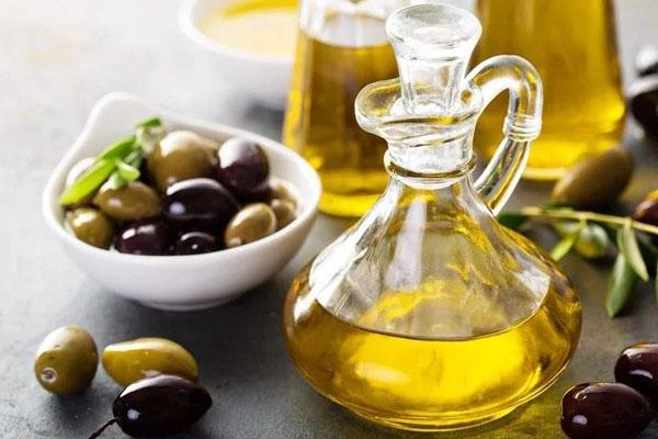 粮油加盟公司提醒您---控制每餐植物油用量焙烤食品不要每天吃